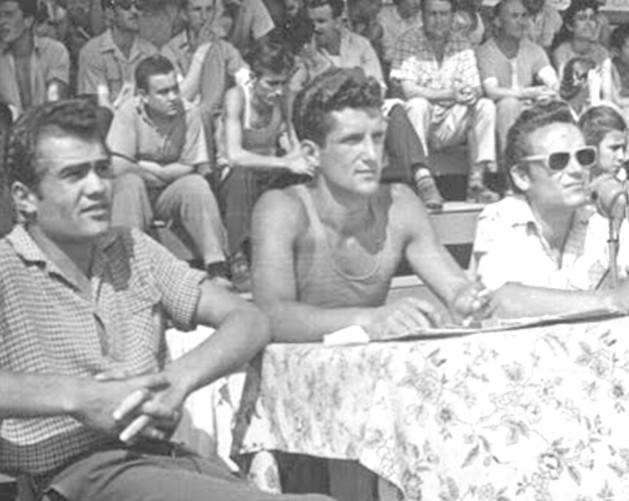 Иван Маринов (в средата) участва активно и ползотворно в орга- низирането на спортно-състезателната дейност във Видин.