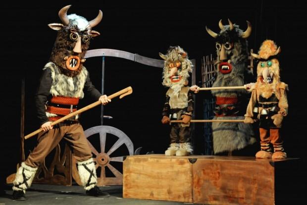 """Поли Тифонова, Държавен куклен театър – Видин: Ще гостуваме със спектакъла """"Съседски закачки"""" в сръбския град Алексинац"""