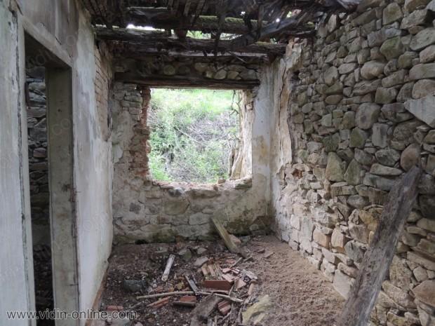 Изоставена хижа за горско стопанство
