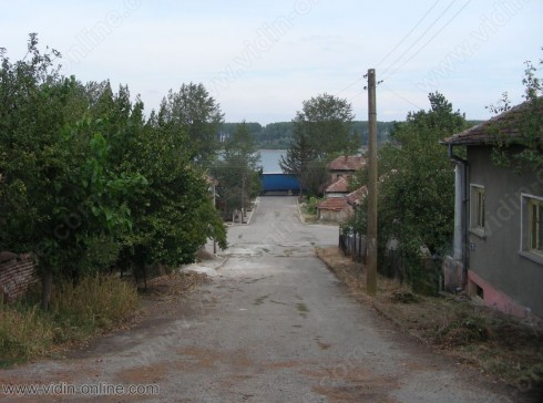 Каменна дига защитава видинското село Ботево от високите води на река Дунав