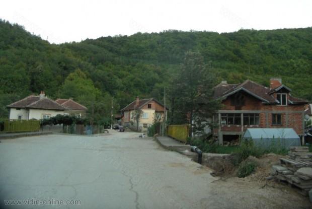 село Горни Лом