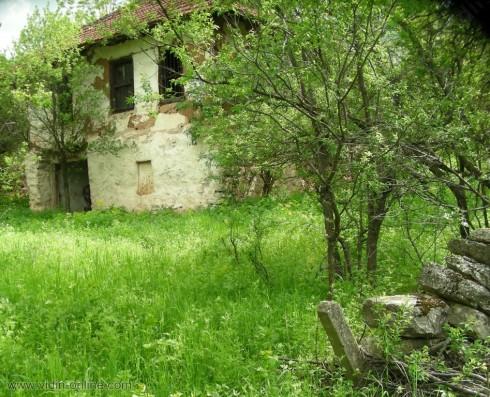 6 души живеят в старото село Орешец