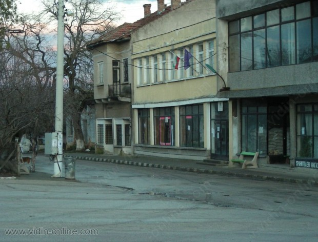 """Библиотеката към читалище """"Пробуда"""", в село Старопатица, община Кула е най-голямата в общината след градската"""