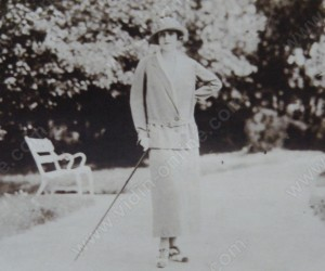 Роза Арон Пинкас в парка на Видин 1929г.
