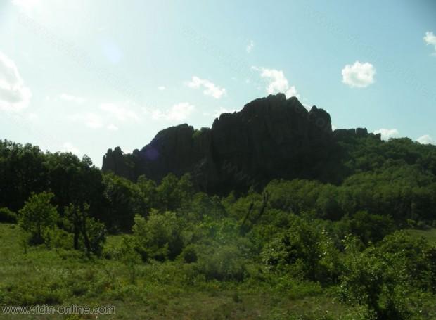 Скалите на Дъбравка