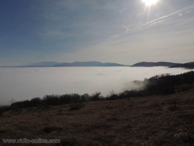 Мъгла над село Крачимир