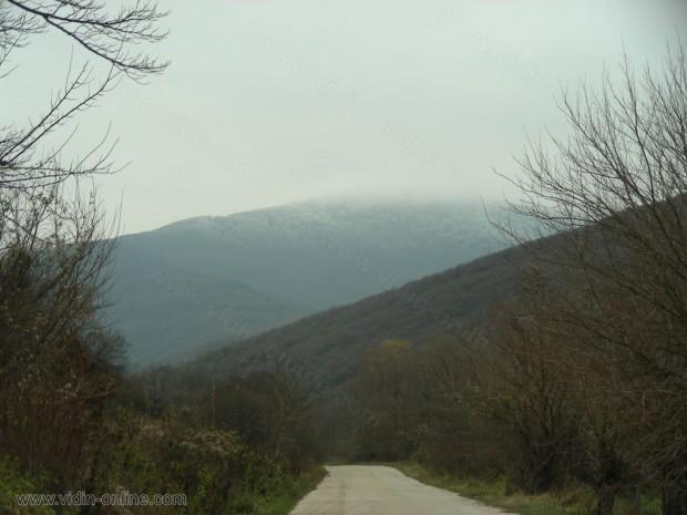 Скреж по високите части на село Салаш
