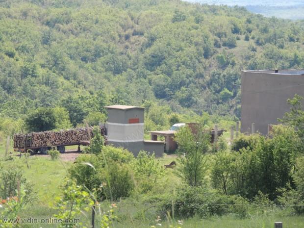Бившия завод в Раяновци. Склад за дърва