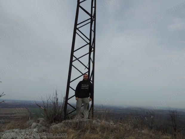 Металната решетка на върха