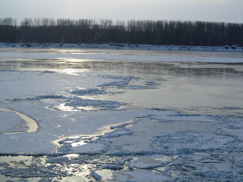 Дети провалились под лед: Мальчик умер не приходя в сознание