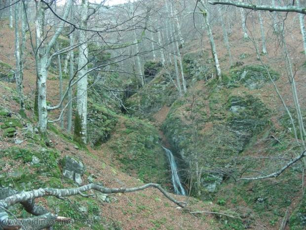 Водопадите над Стакевци