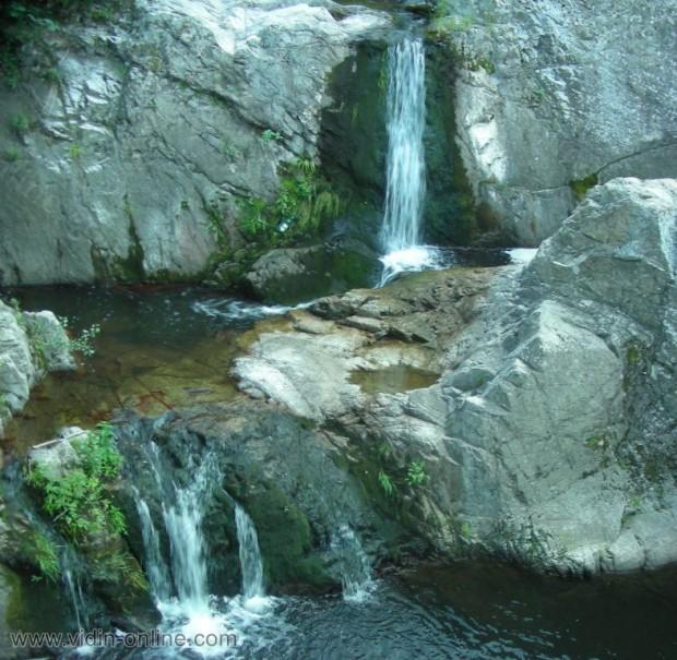 Водопад Вражи вир до село Рабиша