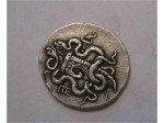 Сребърният денар със змии на Октавия