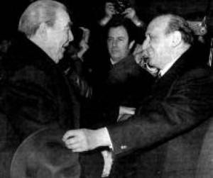 от последните  посещения на Брежнев  в края на 70-те. Между  него и Тато е д-р Борис  Джибров.