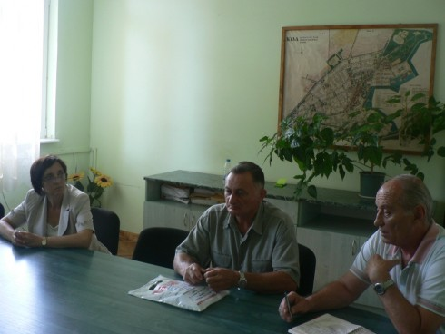 Заместник-областният управител Eлка Георгиева инициира среща, на която се обсъди нередовното снабдяване с продукти в населените места на община Кула - Големаново и Полетковци