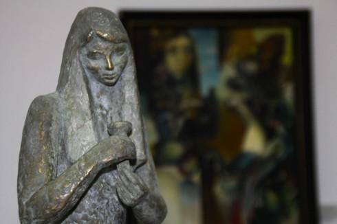 В 12 ч. бе открита изложбата Обаяние, посветена на жената