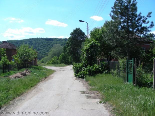 Иван Иванов, кмет на с.Синаговци: Всички улици в селото са баластрирани, но искам следващата година да ги и асфалтираме
