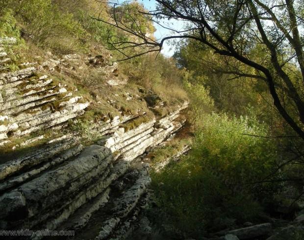 Водопад до село Черно поле
